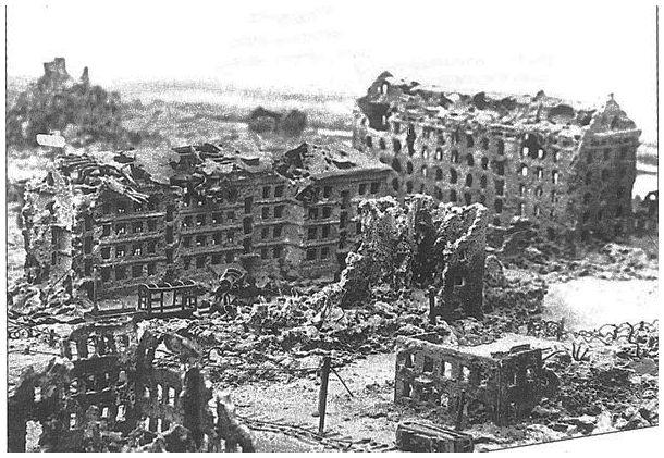 Accrochage dans les faubourg de Stalingrad Septembre 1942. Stalingrad-battle-second-world-war-destruction-rare-photos-amazing
