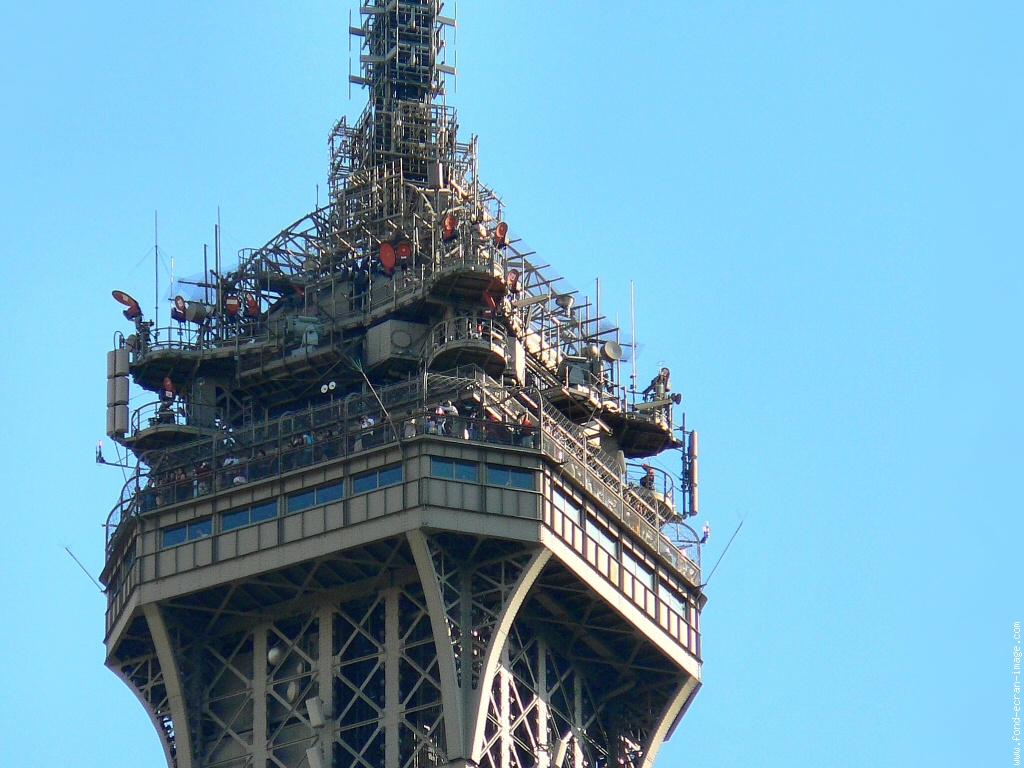 Artcorusse artcorusse le 3 me tage de la tour eiffel vendu - Restaurant dernier etage tour eiffel ...