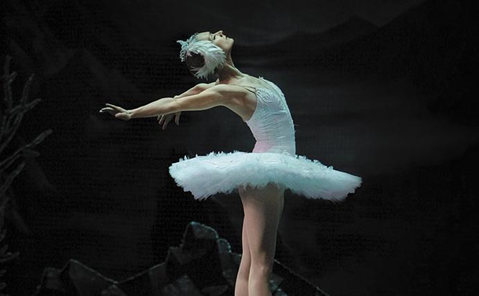 Irina-Kolesnikova-as-Odette-2-Photo-KT